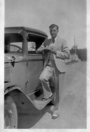 maurice-shock-and-his-old-car-2nd-view-early-1930s
